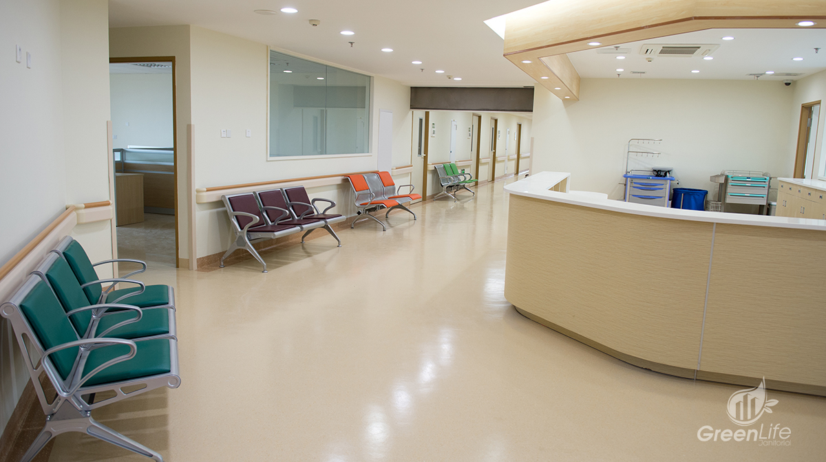green-life-hospital-dentist-cleaning